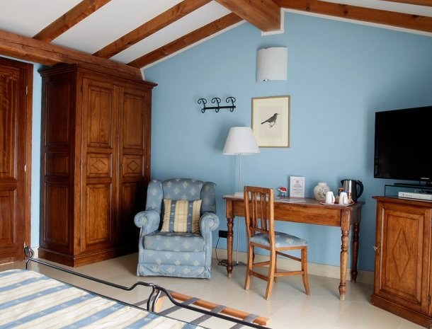 relais-le-ville-ligurie-la-spezia-slaapkamer-chiara.jpg