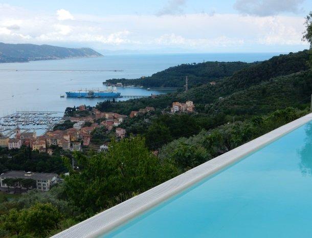 relais-le-ville-ligurie-la-spezia-zwembad-uitzicht-zee.jpg