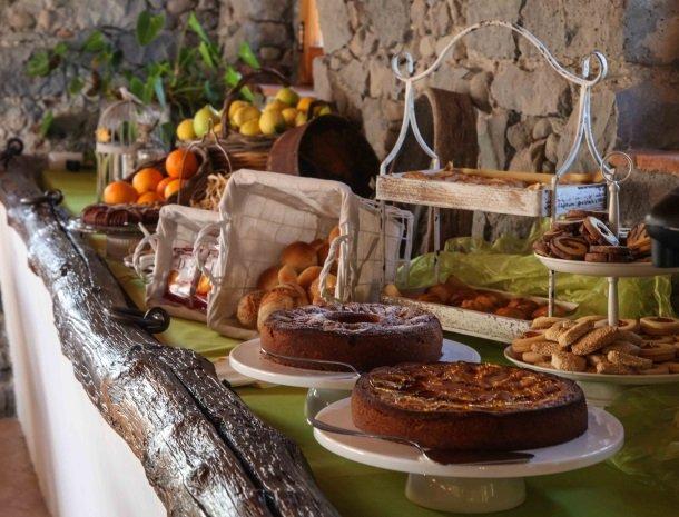 agriturismo-galea-riposto-sicilie-ontbijt-taart.jpg