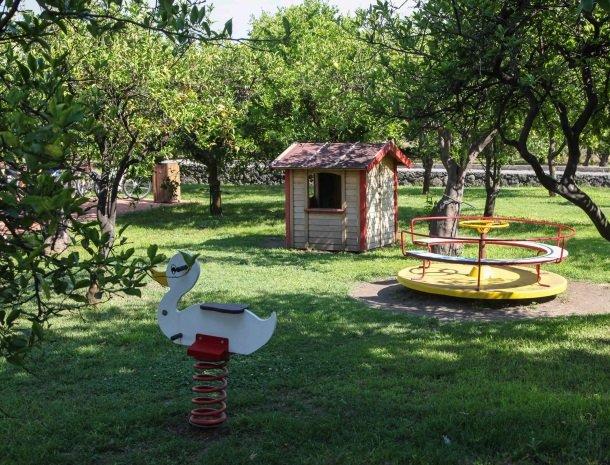 agriturismo-galea-riposto-sicilie-speeltuin.jpg