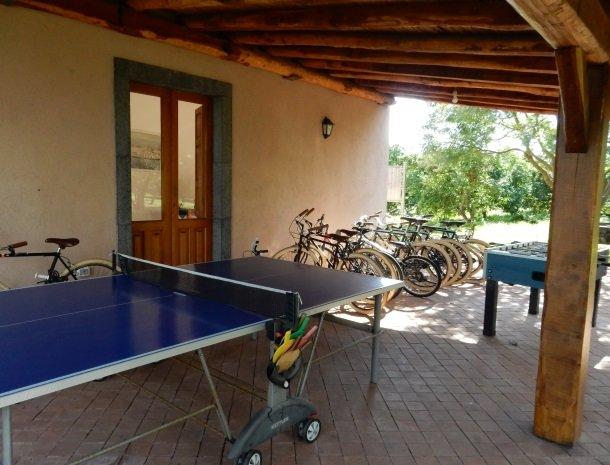 agriturismo-galea-riposto-sicilie-fietsen-tafeltennis.jpg