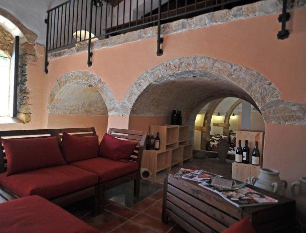 baglio-siciliamo-noto-sicilie-lounge-binnen.jpg