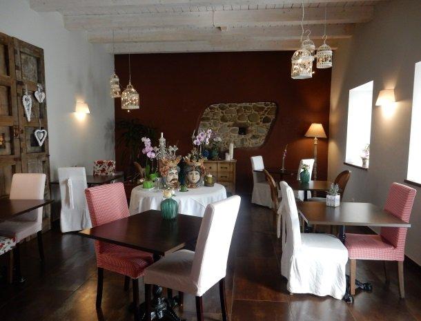 tenuta-edone-sicilie-agriturismo-restaurant.jpg