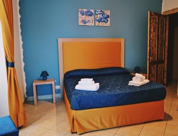 bed-and-breakfast-gafludi-cefalu-slaapkamer-bed.jpg