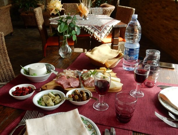 agriturismo-il-drago-piazza-armerina-lunch.jpg