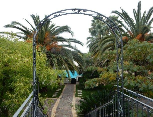 agriturismo-il-drago-piazza-armerina-tuin-zwembad.jpg