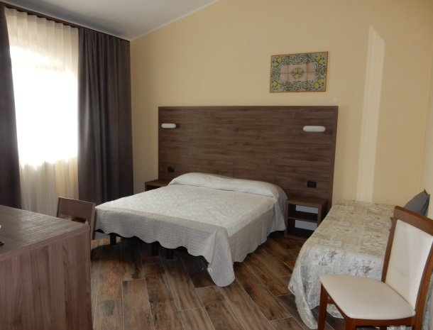 agriturismo-il-drago-piazza-armerina-slaapkamer-3-personen.jpg