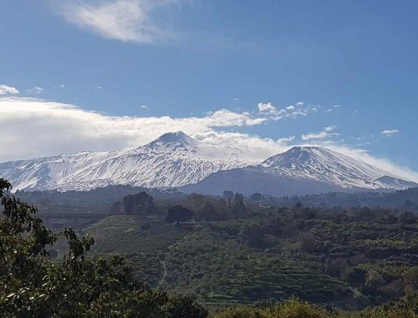 etna-hotel-giarre-sicilie-vulkaan-sneeuw.jpg