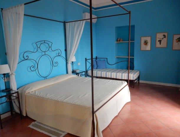 etna-hotel-giarre-sicilie-slaapkamer-superior-extrabed.jpg