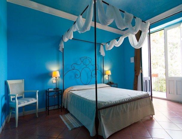 etna-hotel-giarre-sicilie-slaapkamer-superior.jpg