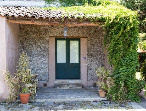 etna-hotel-giarre-sicilie-kamer-ingang.jpg