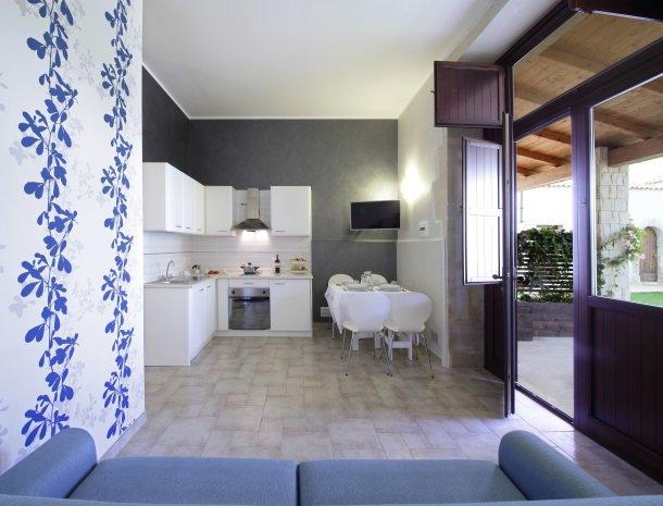 casal-sikelio-cassibile-sicilie-appartement-keuken.jpg