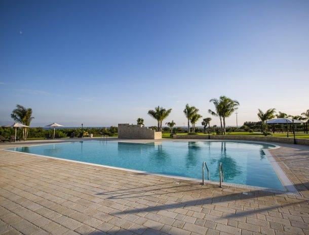 casal-sikelio-cassibile-sicilie-zwembad.jpg