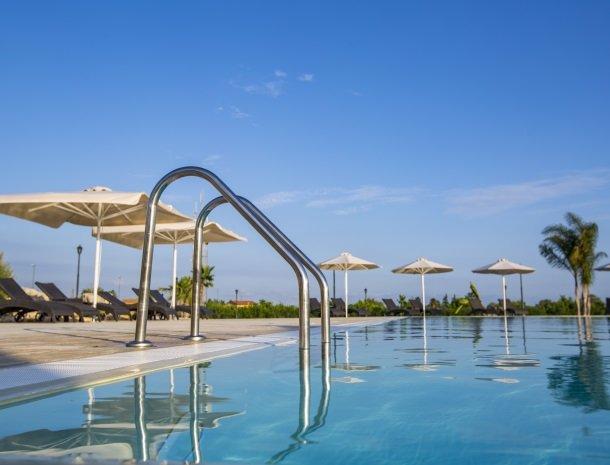 casal-sikelio-cassibile-sicilie-zwembad-detail.jpg