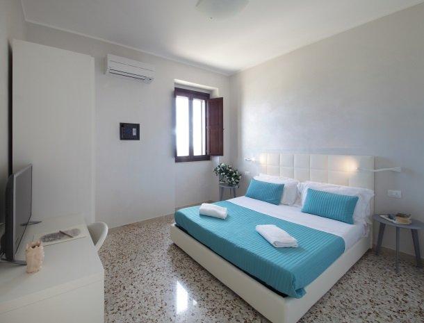 casal-sikelio-cassibile-sicilie-slaapkamer.jpg