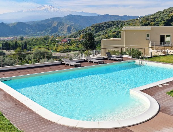 sike-holiday-home-sicilie-zwembad-etna.jpg