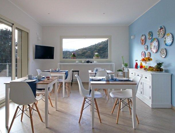 sike-holiday-home-sicilie-ontbijtruimte.jpg