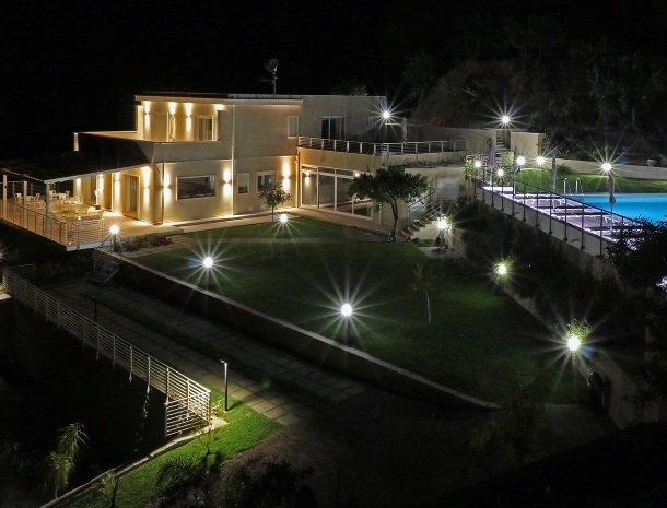 sike-holiday-home-sicilie-avond.jpg