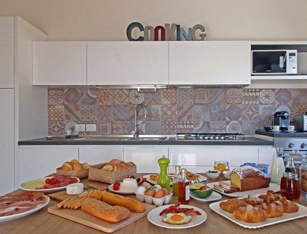 sike-holiday-home-sicilie-ontbijtbuffet-keuken.jpg