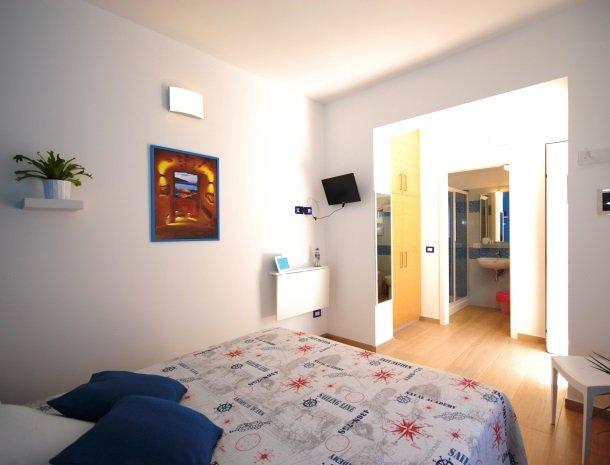 casa-azul-bed-and-breakfast-castellammare-del-golfo-slaapkamer.jpg
