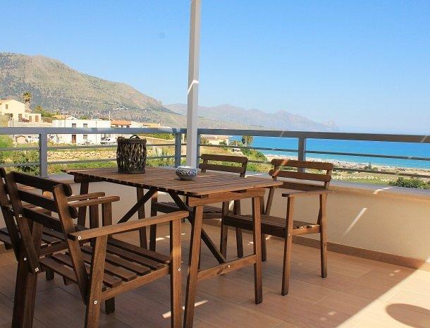 casa-azul-bed-and-breakfast-castellammare-del-golfo-suite-terras.jpg