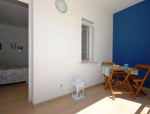 casa-azul-bed-and-breakfast-castellammare-del-golfo-kamer-terras-orsa.jpg
