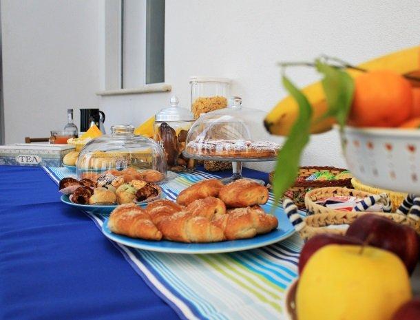 casa-azul-bed-and-breakfast-castellammare-del-golfo-ontbijt.jpg