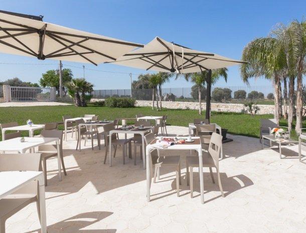 addauro-resort-siracusa-sicilie-terras.jpg