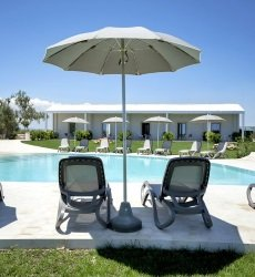 addauro-resort-siracusa-sicilie-met-zwembad.jpg