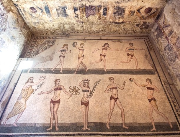 villa romana-piazza-armerina-bikinimeisjes.jpg