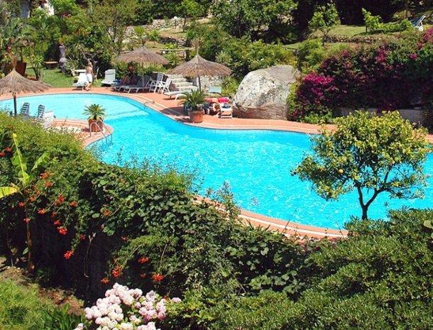hotel cernia eiland elba toscane.jpg