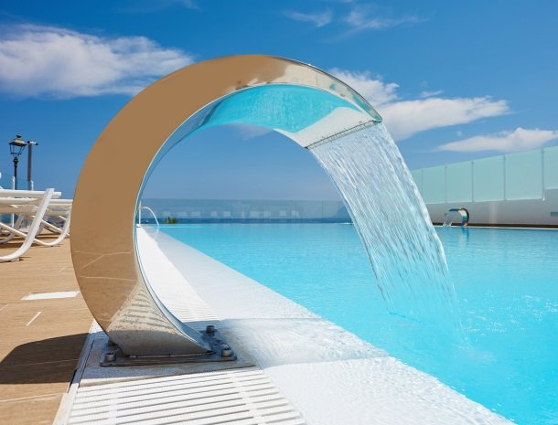 hotel-marina-di-petrolo-castellammare-del-golfo-zwembad-water.jpg