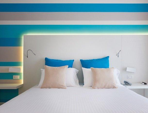hotel-marina-di-petrolo-castellammare-del-golfo-kamer-detail.jpg