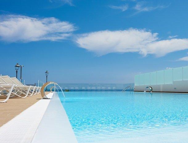 hotel-marina-di-petrolo-castellammare-del-golfo-zwembad.jpg