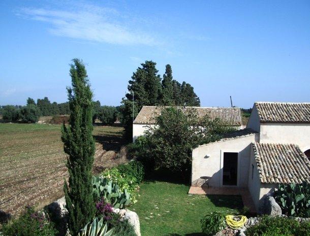 agriturismo-pozzo-di-mazza-siracusa-landschap.jpg