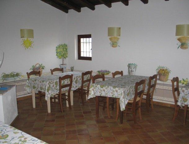 agriturismo-pozzo-di-mazza-siracusa-restaurant.jpg