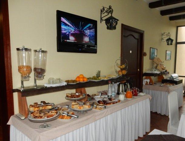 agriturismo-la-perciata-ontbijtbuffet.jpg