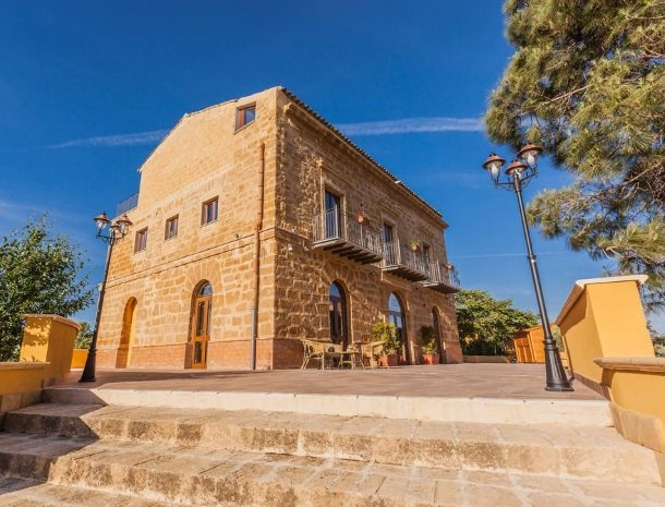 bed-and-breakfast-il-casale-di-federico-agrigento-huis.jpg