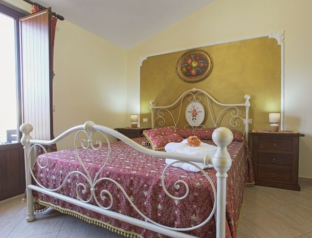 bed-and-breakfast-il-casale-di-federico-agrigento-slaapkamer.jpg