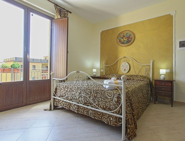 bed-and-breakfast-il-casale-di-federico-agrigento-bed-slaapkamer.jpg