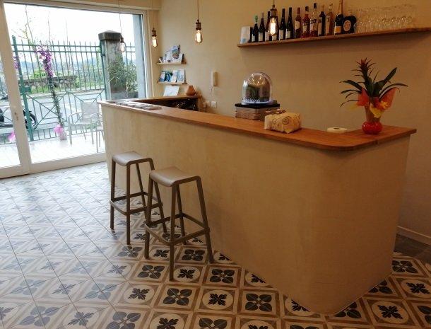 viadelle5terre-laspezia-bar.jpg