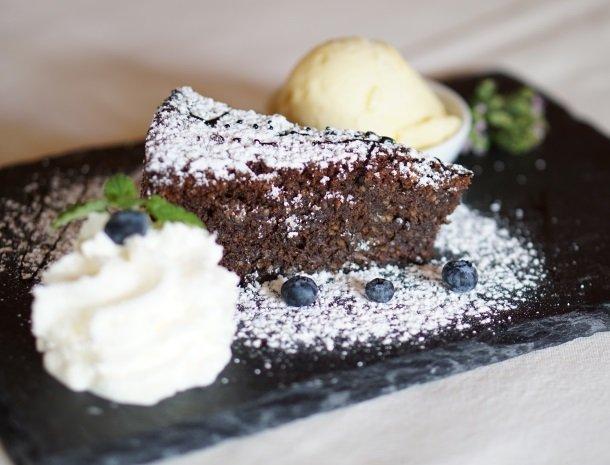 weingut-mahorko-steiermark-restaurant-taart.jpg