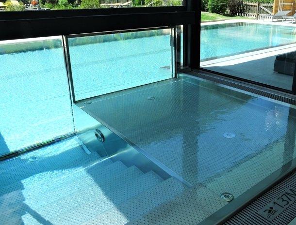 hotel-romerhof-binnen-buiten-zwembad.jpg