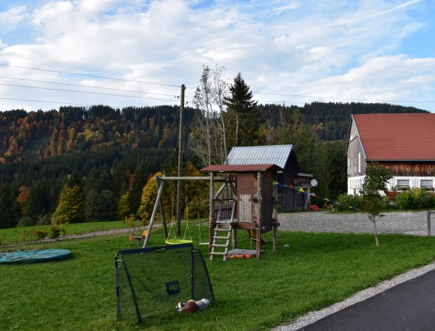 am-hof-jungholz-oostenrijk-speeltuin-tuin.jpg
