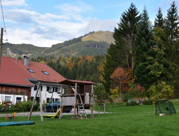 am-hof-jungholz-oostenrijk-speeltuin.jpg