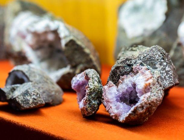 gasthof-stern-tiso-valdifunes-mineralen-kristallen.jpg