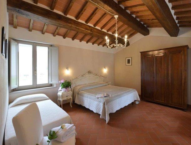 podere-san-giusto-toscane-slaapkamer-acht.jpg