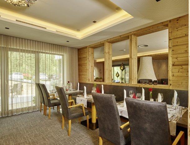 hotel-gundolf-pitztal-tirol-restaurantgedeelte.jpg