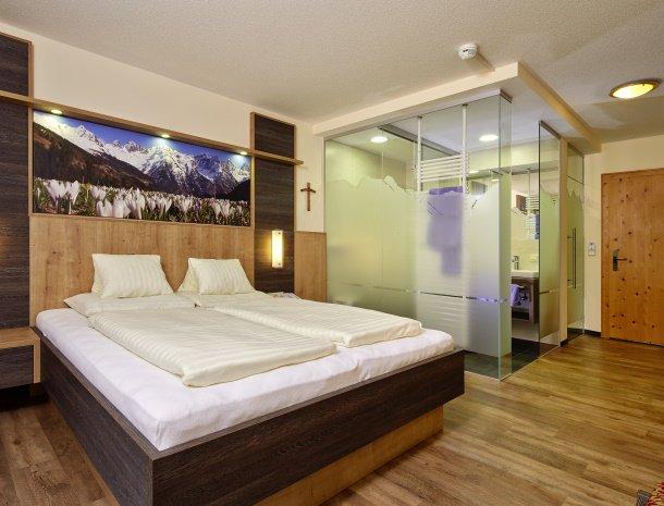 hotel-gundolf-pitztal-tirol-slaapkamer-superior.jpg