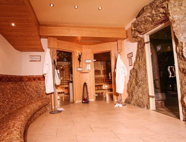 hotel-gundolf-pitztal-tirol-sauna.jpg